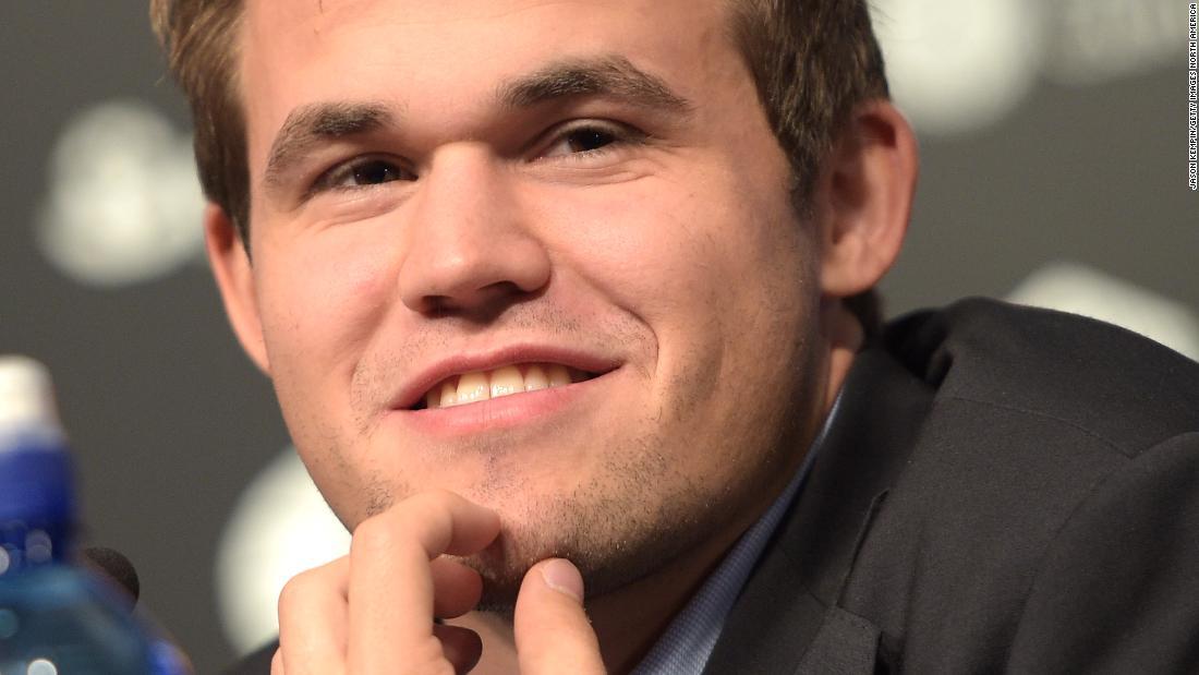 Scacchi: Magnus Carlsen vuole rivoluzionare il vecchio gioco