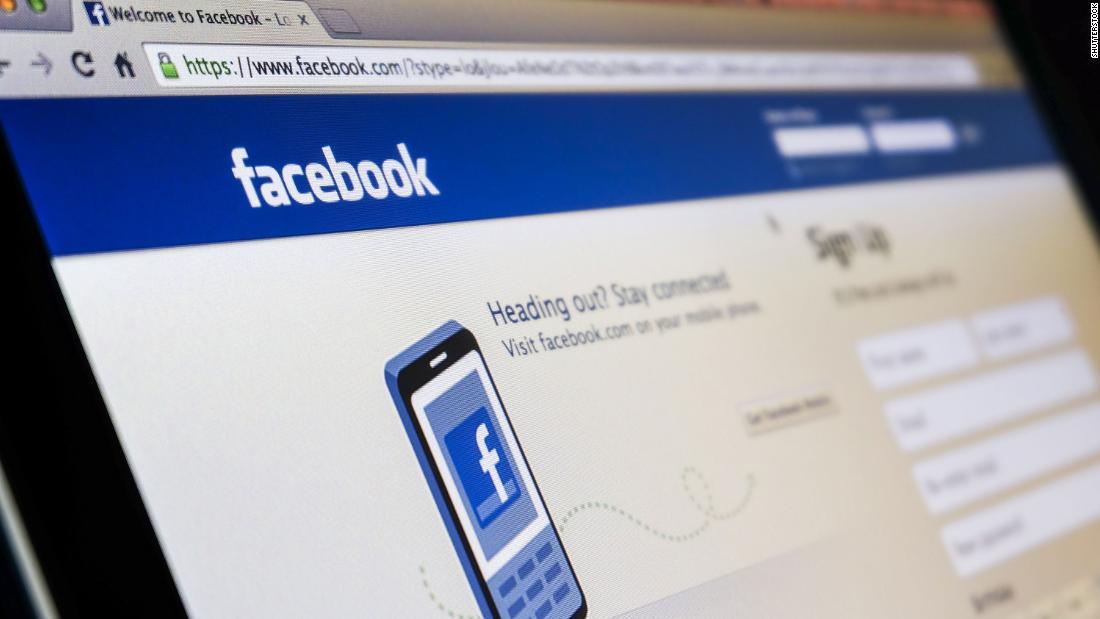 La nonna deve eliminare le foto di Facebook pubblicate online senza autorizzazione, le regole del tribunale