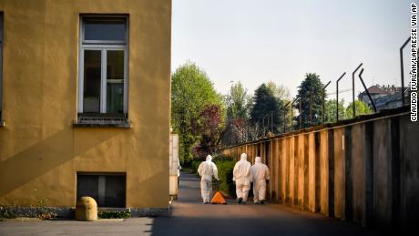 Le indagini della polizia sulle case di cura italiane rilevano violazioni del coronavirus