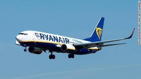 Ryanair è tra i maggiori produttori di gas a effetto serra nell'UE, secondo i dati dell'UE. Le classificazioni includono centrali elettriche, impianti di produzione e aviazione.