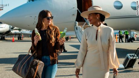 Dakota Johnson e Tracee Ellis Ross in & # 39; La nota alta. & # 39; (Glen Wilson / Focus Features)