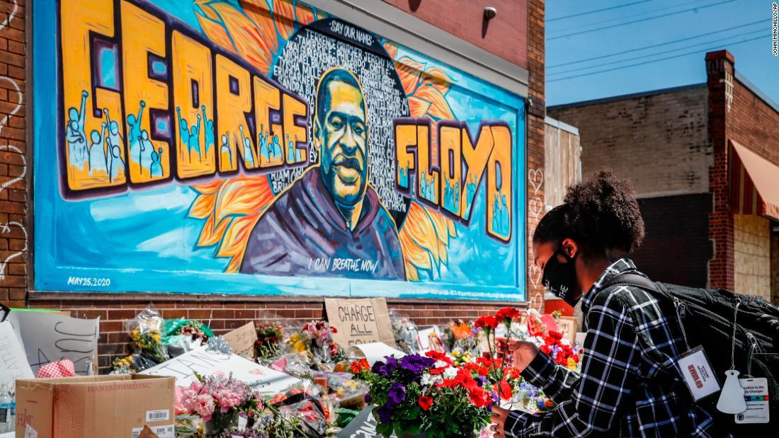 'Black Lives Matter': Facebook, Netflix e Peloton si alzano mentre le proteste spazzano l'America