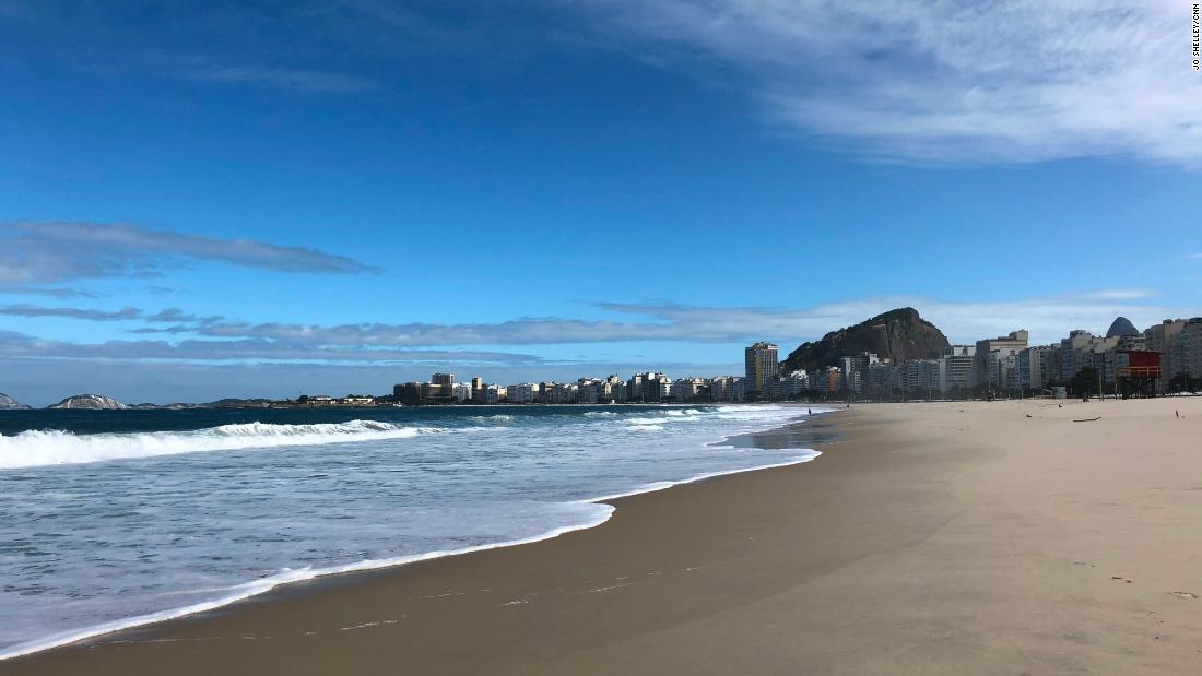 Spiaggia di fama mondiale svuotata dal coronavirus