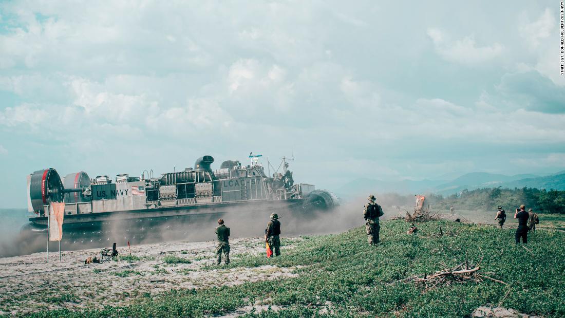 Tra le tensioni nel Mar Cinese Meridionale, le Filippine affermano che l'accordo di accesso militare degli Stati Uniti non finirà. Stati Uniti d'America