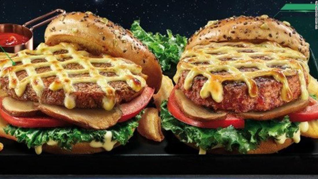 Yum China e Beyond Meat si uniscono per servire hamburger di erbe ai KFC cinesi