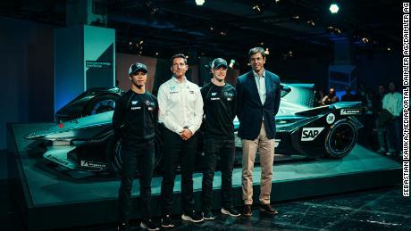 Ian James e Toto Wolff al lancio del Mercedes-Benz EQ Formula E Team con il & # 39; autisti Nyck de Vries e Stoffel Vandoorne.