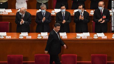 La Cina rivela all'economia uno stimolo di $ 500 miliardi, in quanto ignora l'obiettivo di crescita dovuto alla pandemia