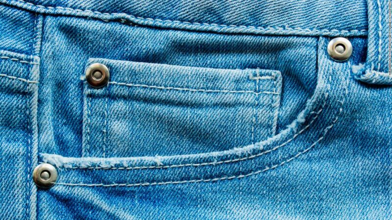 I rivetti nei jeans potrebbero appartenere al passato