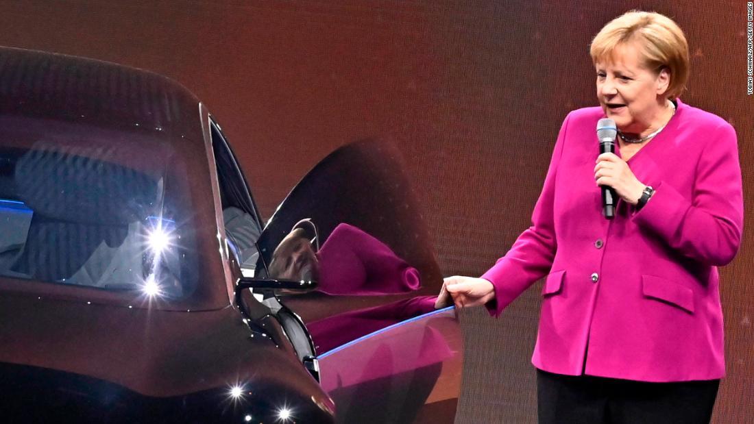 La Germania offre denaro per le auto elettriche come parte di un massiccio spreco di stimoli