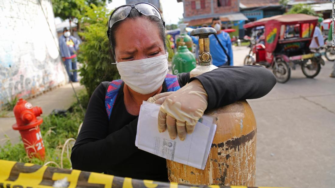 Coronavirus peruviano: i locali chiedono ossigeno mentre la malattia prende il sopravvento