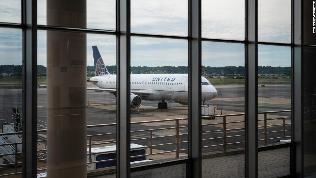 Gli Stati Uniti allentano le restrizioni sui voli cinesi annunciati all'inizio di questa settimana